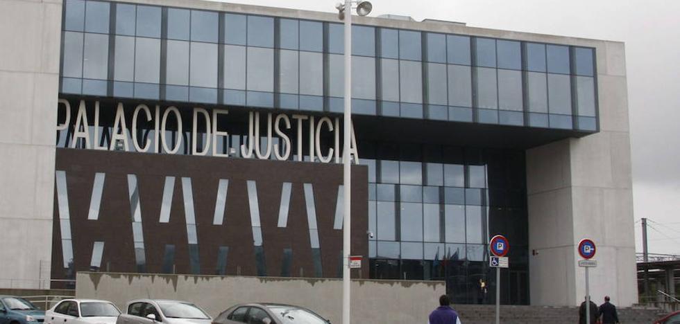 El acusado de tráfico de drogas en Gijón delatado por su hijo pide la anulación del proceso