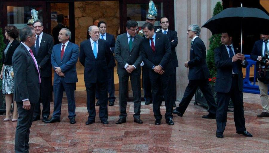 El mundo de la política y la cultura en Asturias asiste al concierto previo a los Premios Princesa