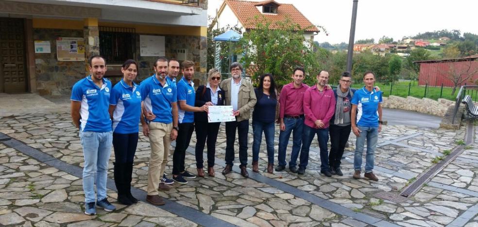 Carrerillas dona 4.095 euros contra el cáncer