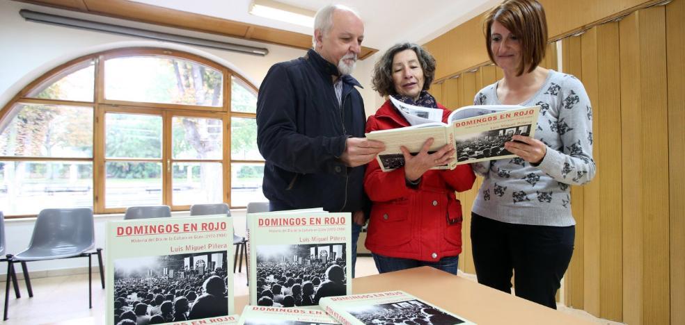 Donan a la ciudad diez libros de la 'Historia del Día de la Cultura en Gijón'