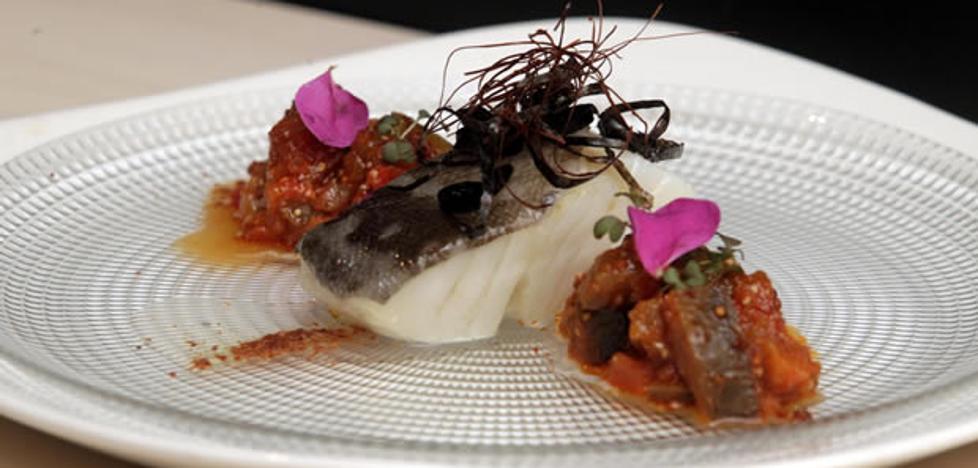 Lomo de bacalao a baja temperatura con chutney de ratatouille y polvo de jamón