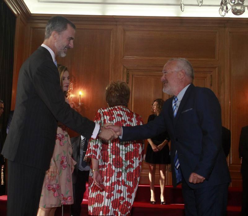 Los Reyes reciben a los premiados con las Medallas de Asturias