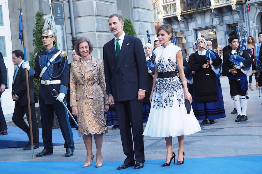 Alfombra azul de los Premios Princesa (1)