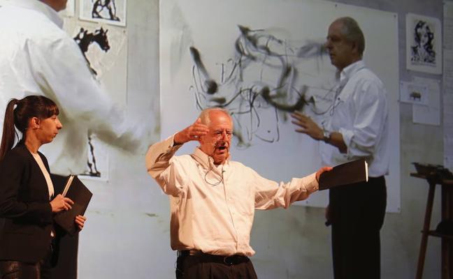 «El dibujo es un consuelo, nos convierte en algo más»