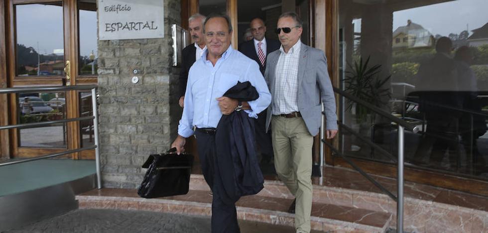 Agustín de Luis sale de la cárcel tras quince meses en prisión