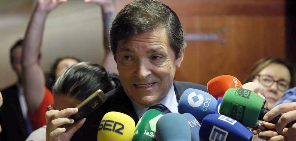 Javier Fernández: «Es evidente que tiene que haber elecciones en Cataluña»