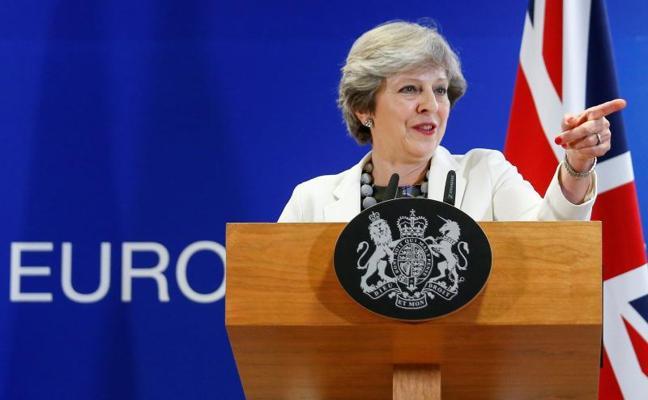 La UE, dispuesta a tender la mano a May en las negociaciones del 'Brexit'