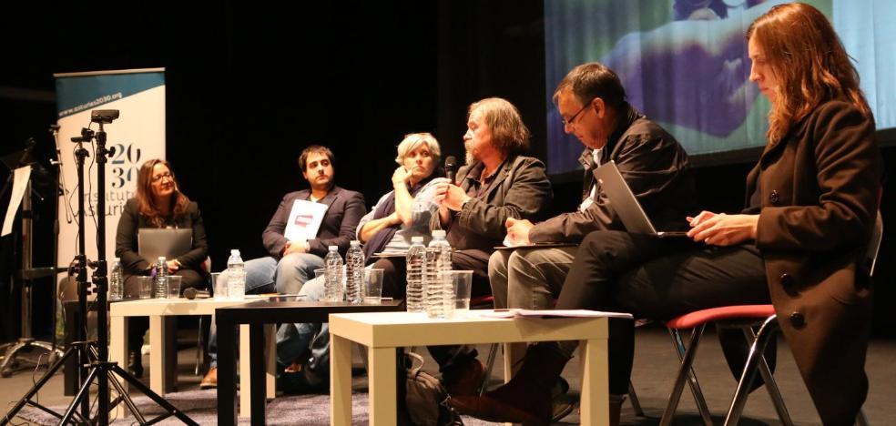 Podemos propone implantar la renta básica en el suroccidente asturiano