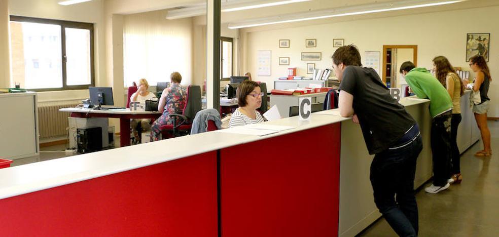 La Universidad estabiliza su número de alumnos tras ingresar 4.615 este curso