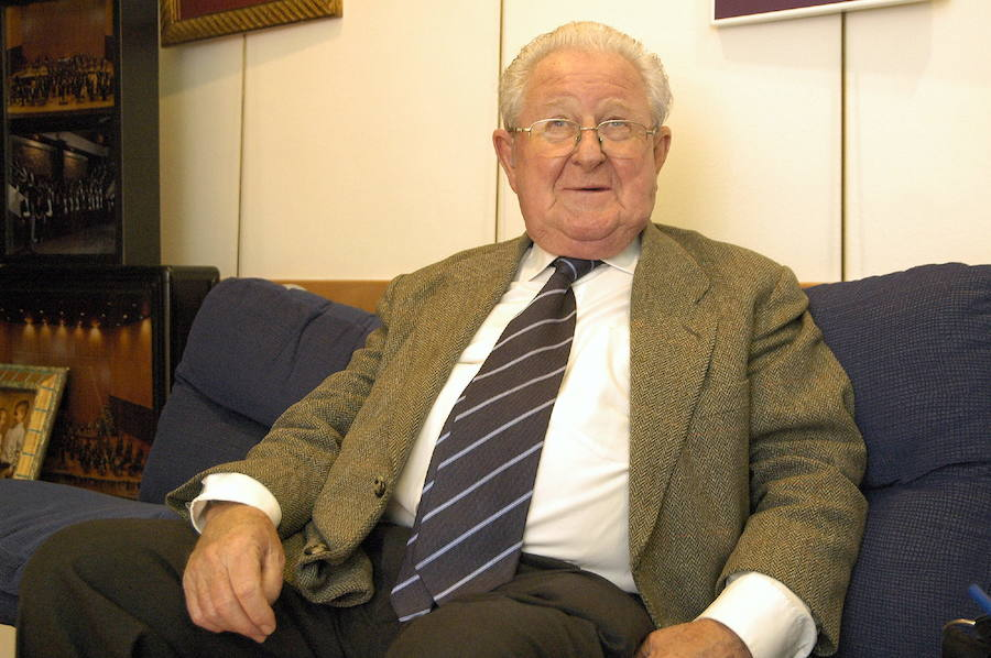Fallece el histórico fotógrafo ovetense José Manuel Nebot
