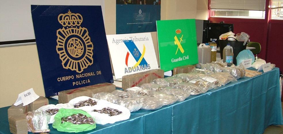 El fiscal pide 156 años de cárcel para 21 acusados de vender hachís y cocaína