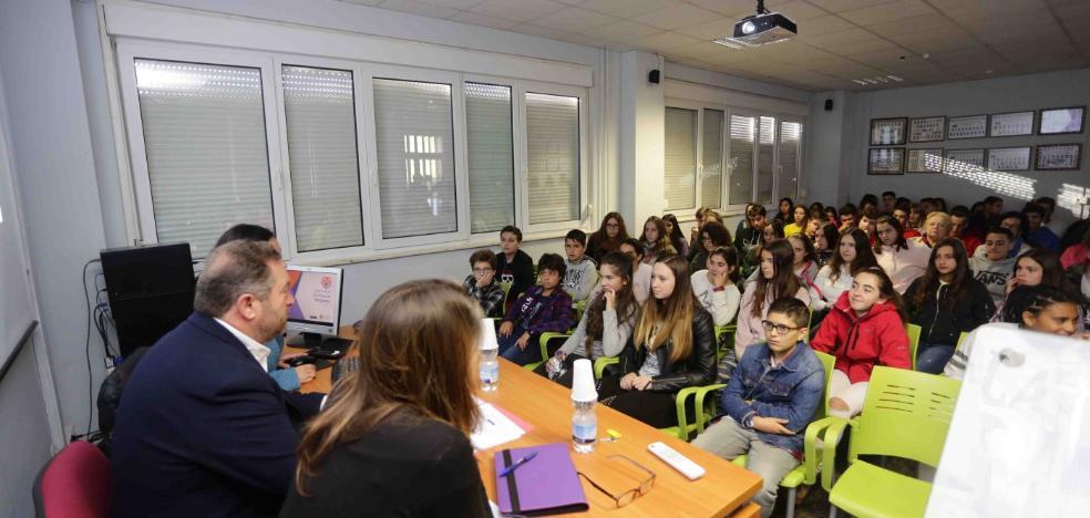 Colunga implica a sus estudiantes en la lucha contra la violencia machista