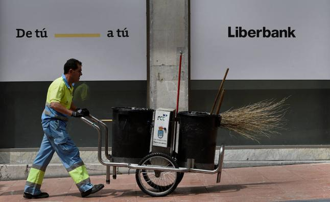 Las fundaciones de Liberbank venden el 19% de la entidad por 121,54 millones para acudir a la ampliación