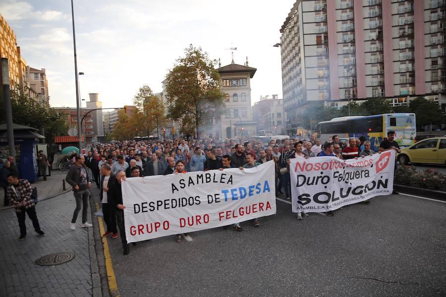 Los trabajadores de Duro se manifiestan en Gijón