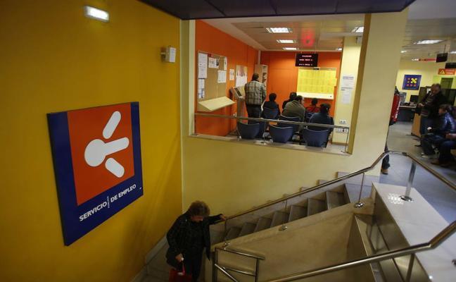 El paro baja en 1.000 personas en el tercer trimestre de 2017 en Asturias, el 1,6%