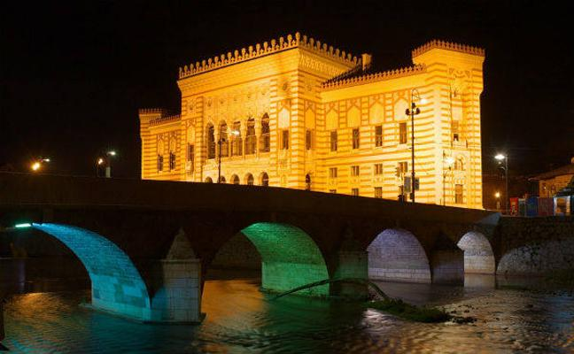 Sarajevo, oriente y occidente entre las huellas de la guerra