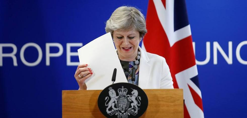 La UE podría ofrecer a May un periodo de transición de 20 meses tras el 'Brexit'