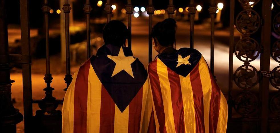 Junts pel Sí y la CUP mantienen sus planes de declarar hoy la secesión