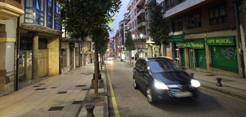 Herido un joven de 17 años al ser atropellado en Oviedo