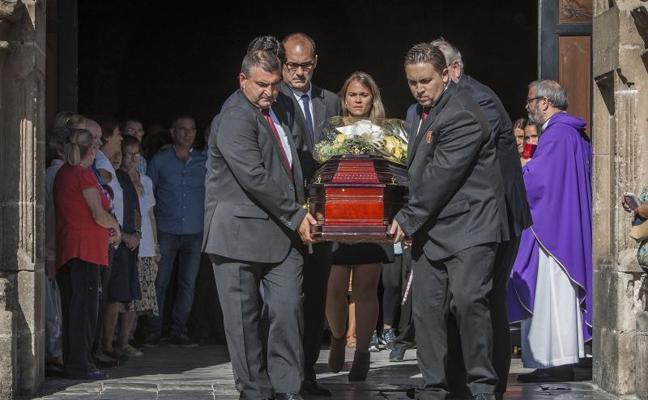 Multitudinario adiós a la española muerta en Brasil por disparos de la policía