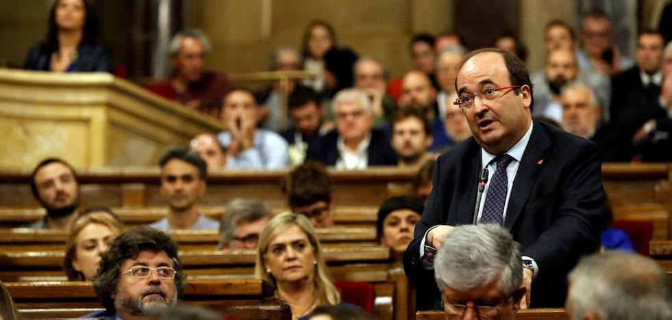 El PSOE-A olvida rencillas y se pone a disposición del PSC para la campaña catalana