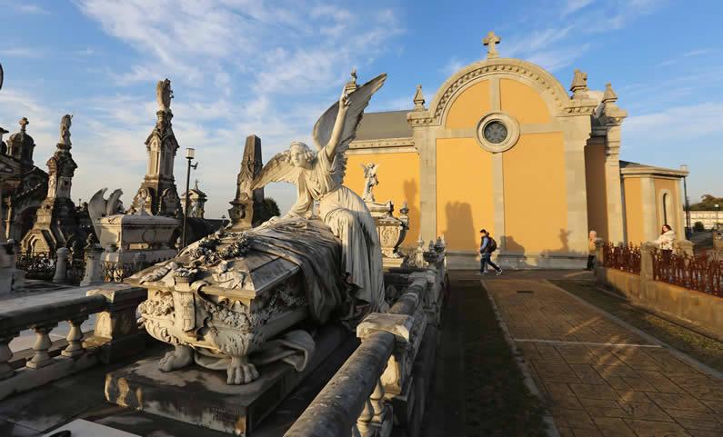 Los cementerios más sorprendentes de Asturias