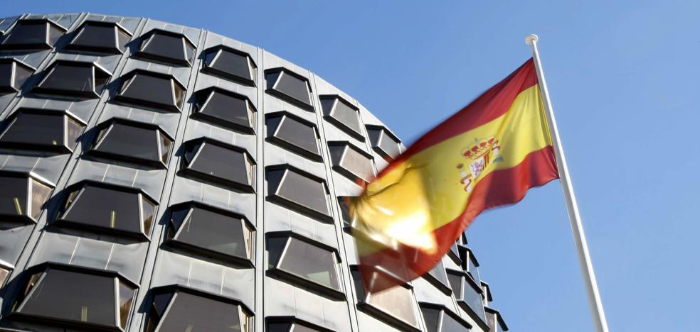 El Constitucional suspende la declaración de independencia de Cataluña