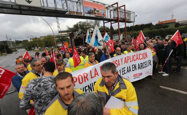 Sindicatos y auxiliares de Arcelor avanzan en la solución del conflicto por el convenio