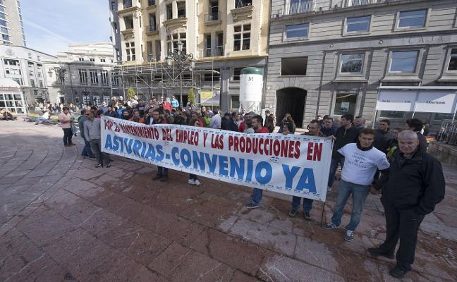 CAPSA supera sin incidentes la primera jornada de huelga indefinida en Granda