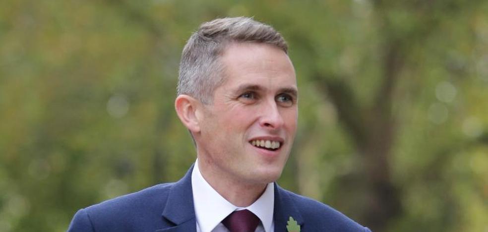 Gavin Williamson reemplaza a Michael Fallon como ministro de Defensa británico
