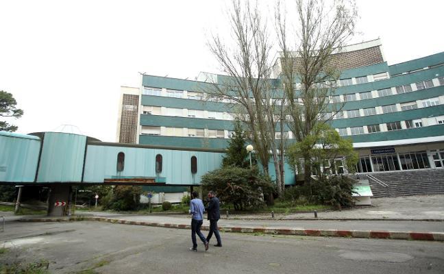 El mantenimiento del viejo HUCA baja a 980.000 euros anuales, defiende Del Busto