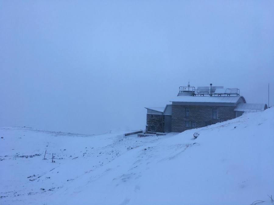 Las primeras nieves llegan a Asturias