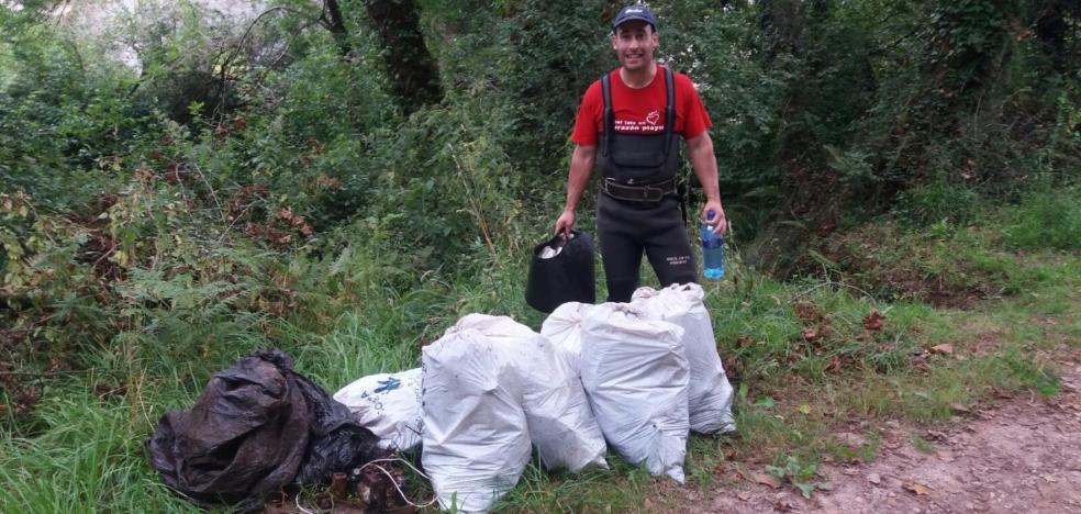 130 sacos de residuos en diez kilómetros de río