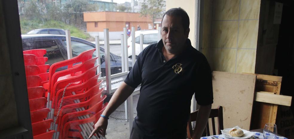 Los hosteleros langreanos, agobiados por los continuos robos en sus locales
