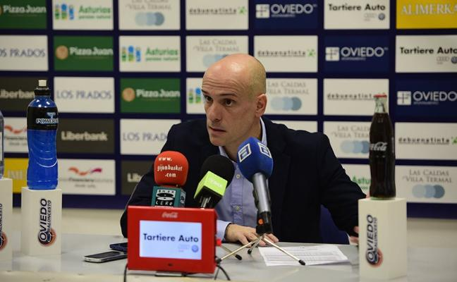 El Oviedo Baloncesto rebaja la tensión tras las duras críticas de Marco hacia la mesa