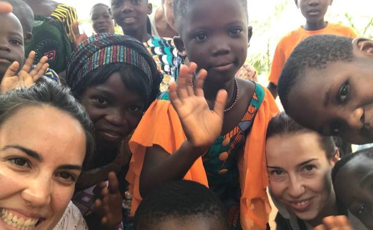 Cirujanos del Hospital de Cabueñes, en África