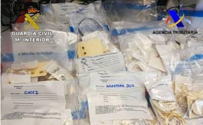 Interceptado en el Puerto de Alicante un envío de casi 20.000 joyas falsificadas