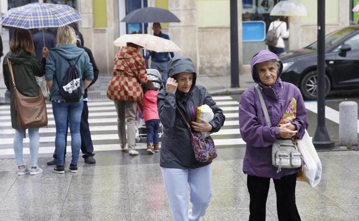 Jueves pasado por agua en Gijón