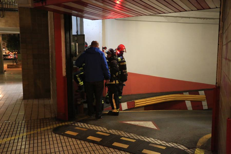Incendio en un garaje en Gijón