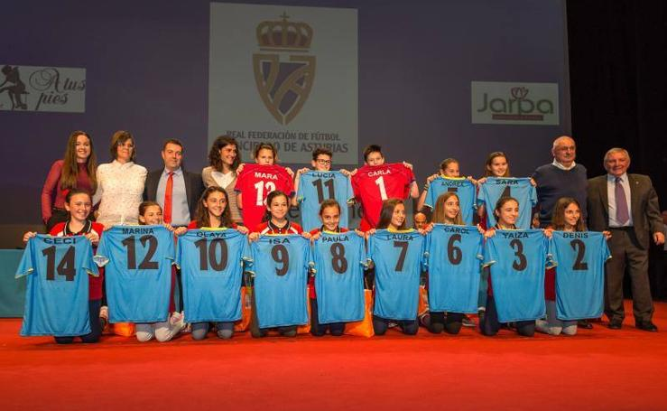 El fútbol asturiano entrega sus galardones en La Laboral