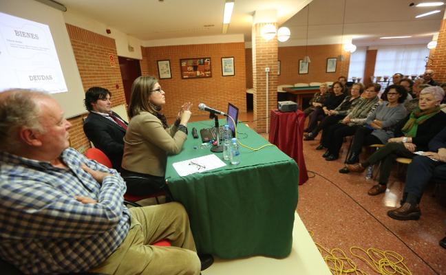 Conferencia sobre sucesiones en La Luz