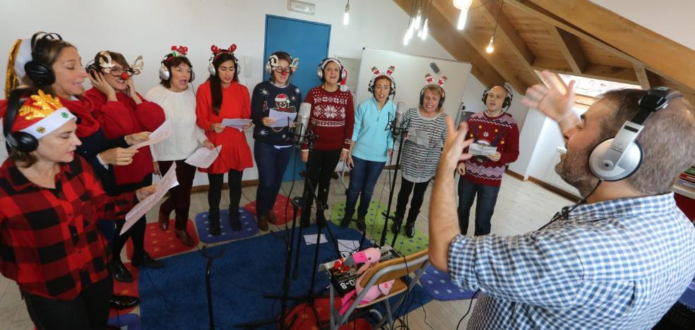 Un centenar de profesores cantan la Navidad