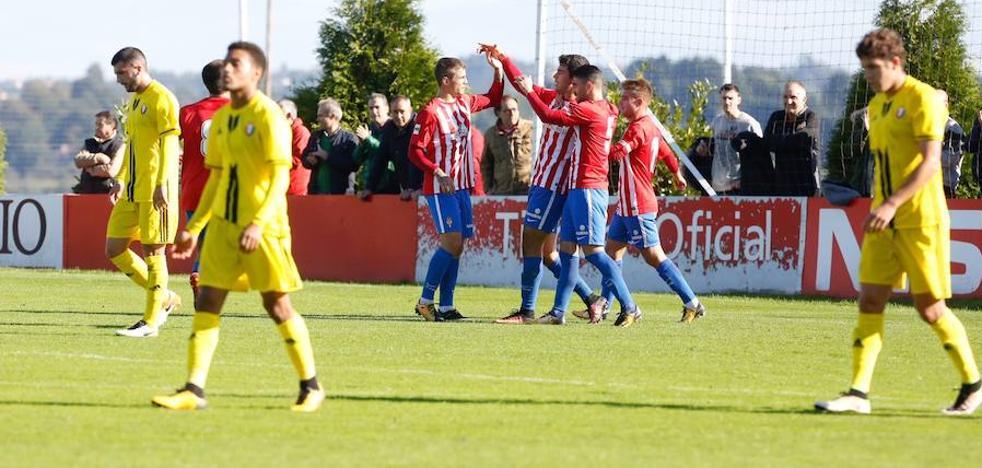 El Sporting B gana al filial de Osasuna y se aferra a la zona alta