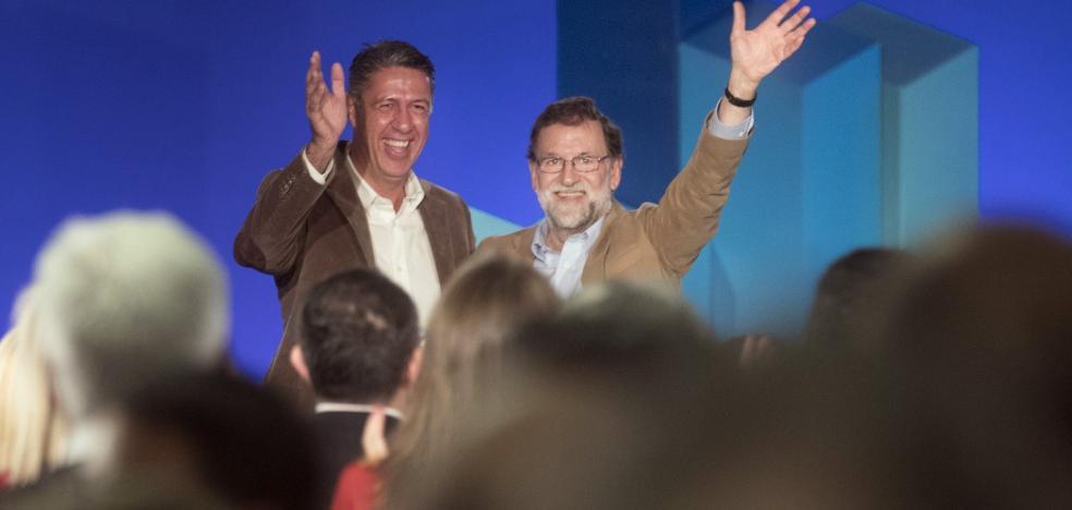 Rajoy pide que cese la salida de empresas de Cataluña y anima a consumir sus productos