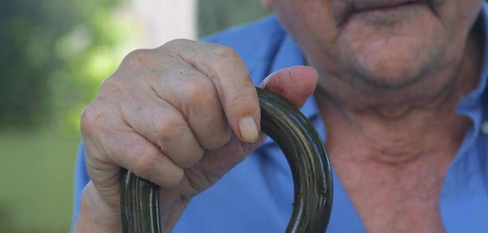 El protocolo contra el maltrato a mayores en Asturias incluirá el abandono o el abuso económico