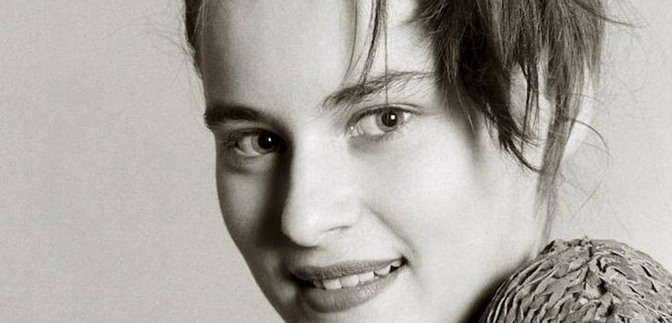 ¿Sabes quién es la chica de la foto?