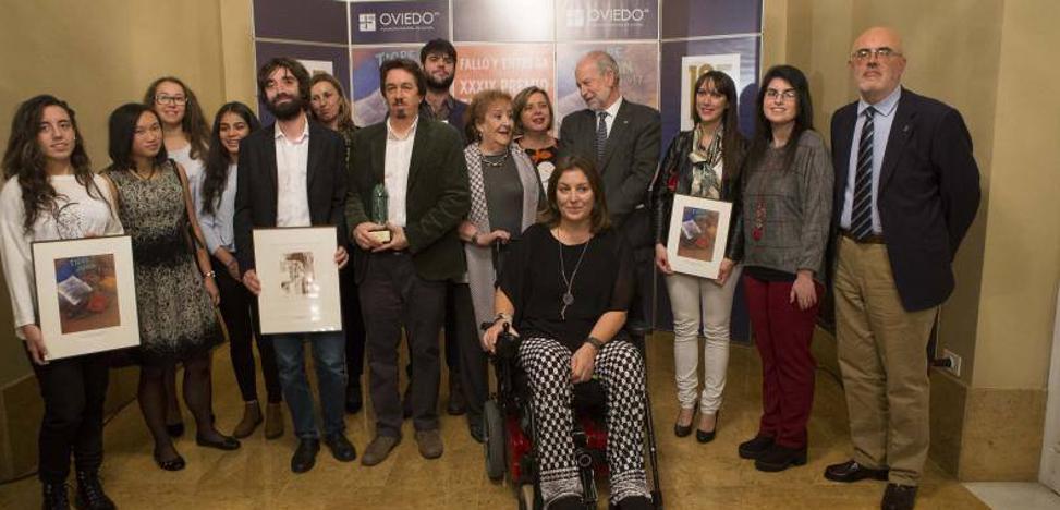 El argentino Pedro Mairal gana el premio 'Tigre Juan' por su novela 'La uruguaya'