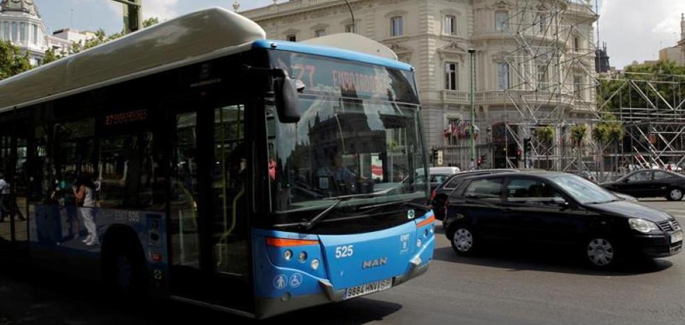 El difícil momento de un conductor de autobús: «Mi padre ha muerto. No me encuentro en condiciones de garantizar su seguridad»