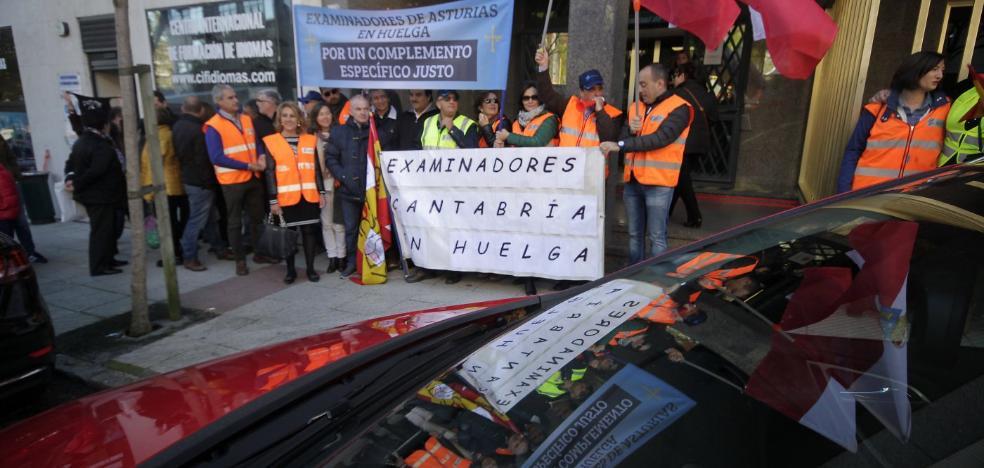 Examinadores y DGT acercan posturas para poner fin a la huelga de seis meses