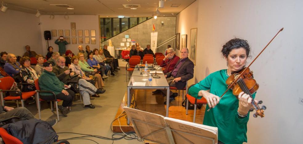Diez voces de mujer dan forma a la antología de aforismos 'Bajo el signo de Atenea'